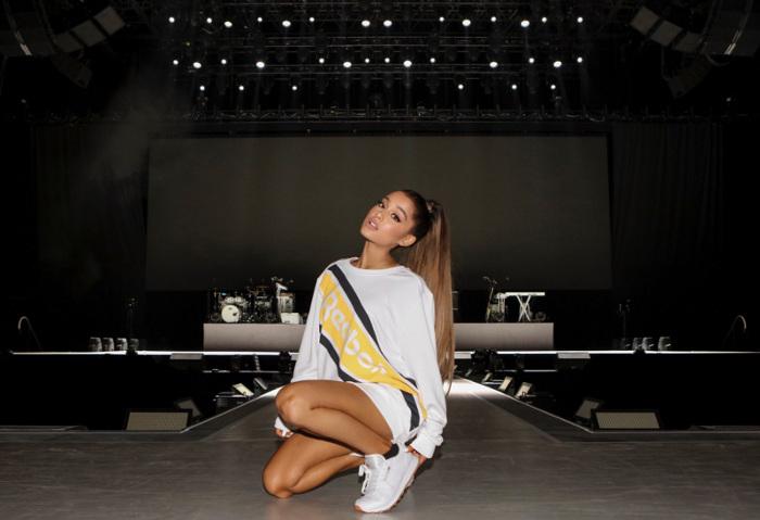 Reebok Kini Gandeng Ariana Grande