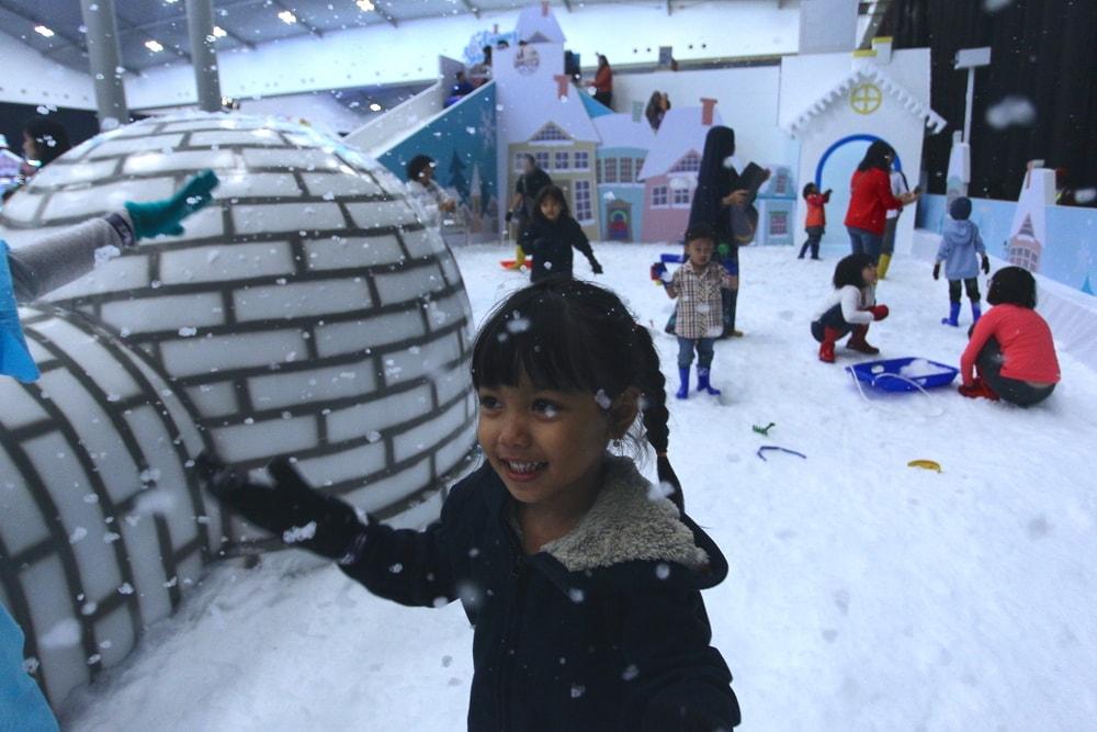 Resmi Dibuka, ICEFEST Hadirkan Wisata 'Winter Village'