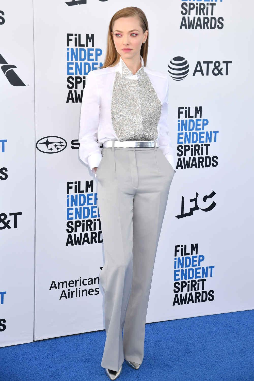 Spotted: Amanda Seyfried Mengenakan Givenchy