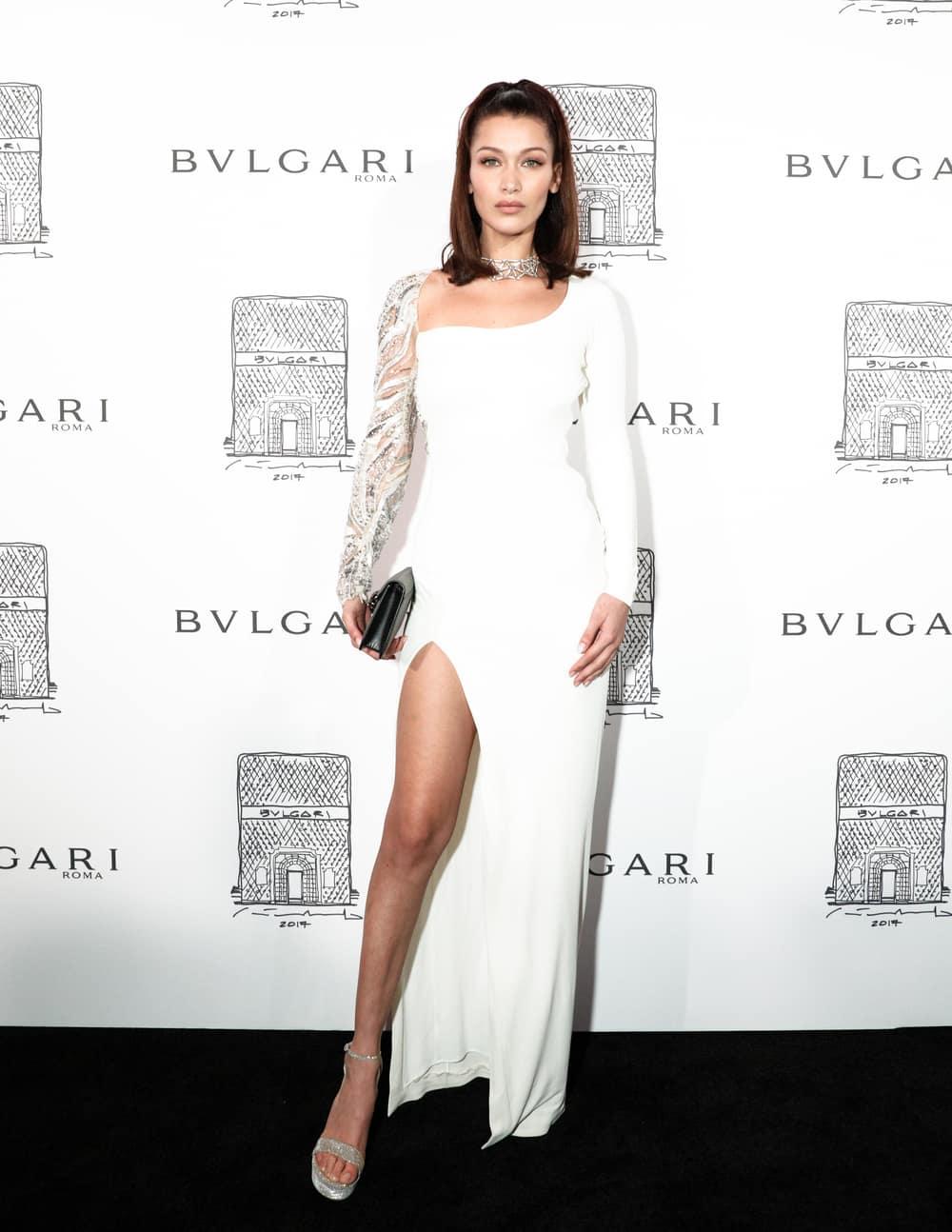 Spotted: Bella Hadid Mengenakan Bulgari