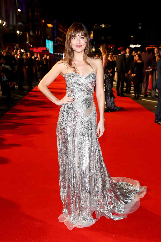 Spotted: Dakota Johnson Mengenakan Gucci
