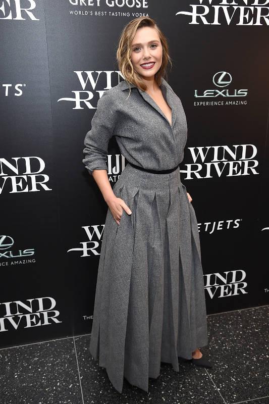 Spotted: Elizabeth Olsen Mengenakan Dior