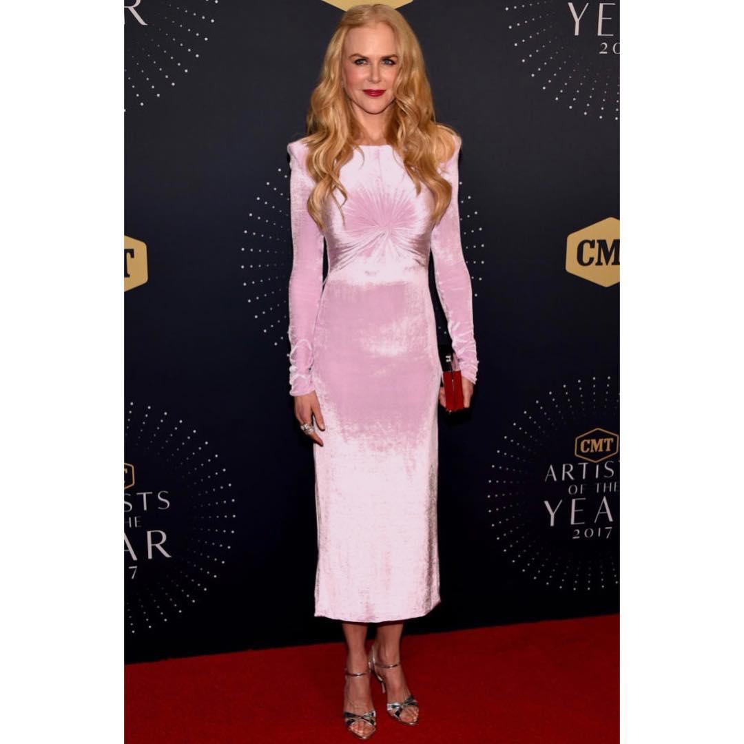 Spotted: Nicole Kidman Mengenakan Versace