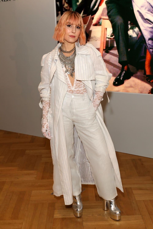 Spotted: Noomi Rapace Mengenakan Dior