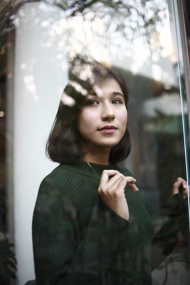 Intip 6 Padu Padan Sweater Rajut Inspirasi Seleb Korea