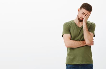 Tanda Pria Berbohong dari Bahasa Tubuhnya