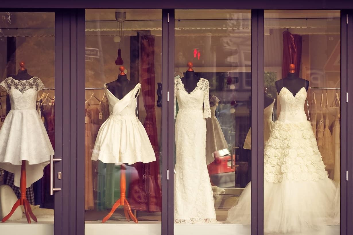 Tips Perawatan Gaun Pernikahan