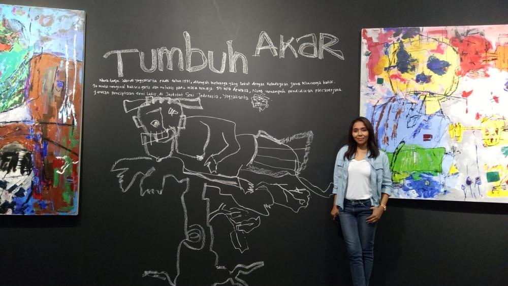 Tumbuh Akar: Keseharian Nana Tedja Dalam Garis & Warna