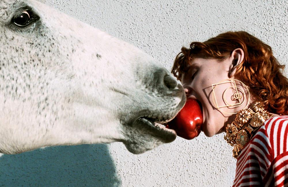 Uniknya Kampanye Iklan Gucci Terbaru Dengan Seekor Kuda