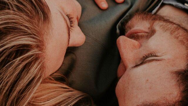 Cara Membuat Pasangan Nyaman Saat Bersamamu