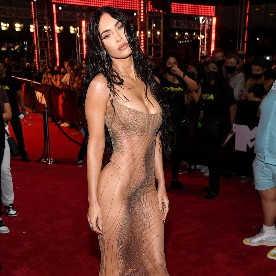 Intip 8 Busana Terbaik di MTV Video Music Awards 2021