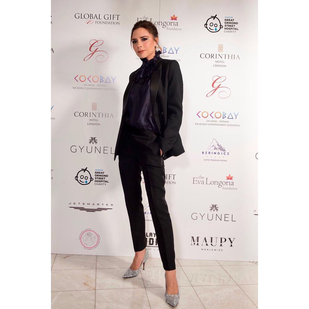 Victoria Beckham Akan Ikuti London Fashion Week