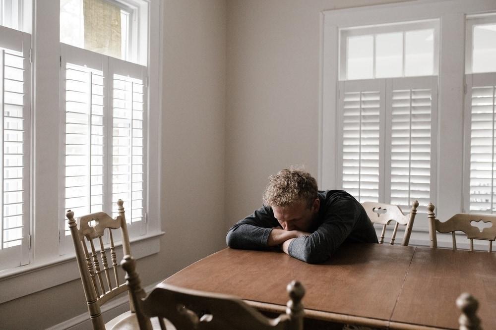 Cara Menghadapi Pria Emosional