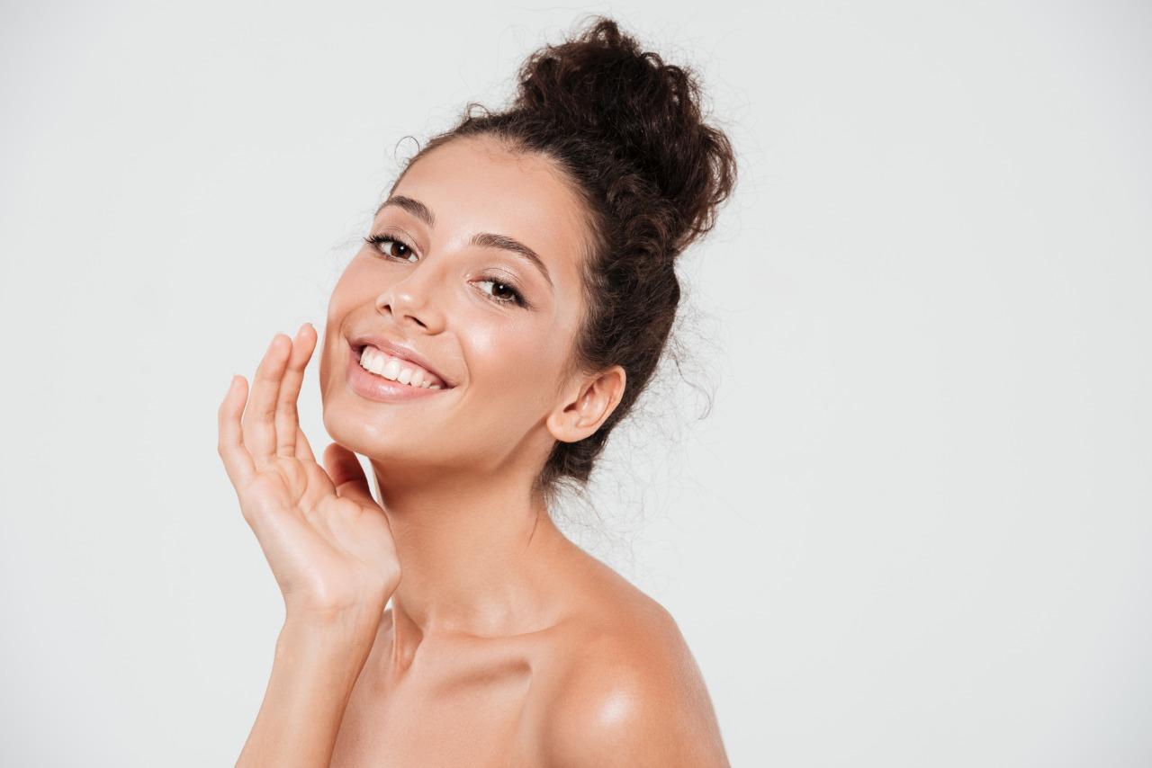 Lakukan 10 Hal ini Untuk Tampil Cantik Alami Tanpa Makeup