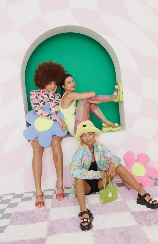 Fun & Eye-Catchy, Inilah Kolaborasi Melissa x Lazy Oaf