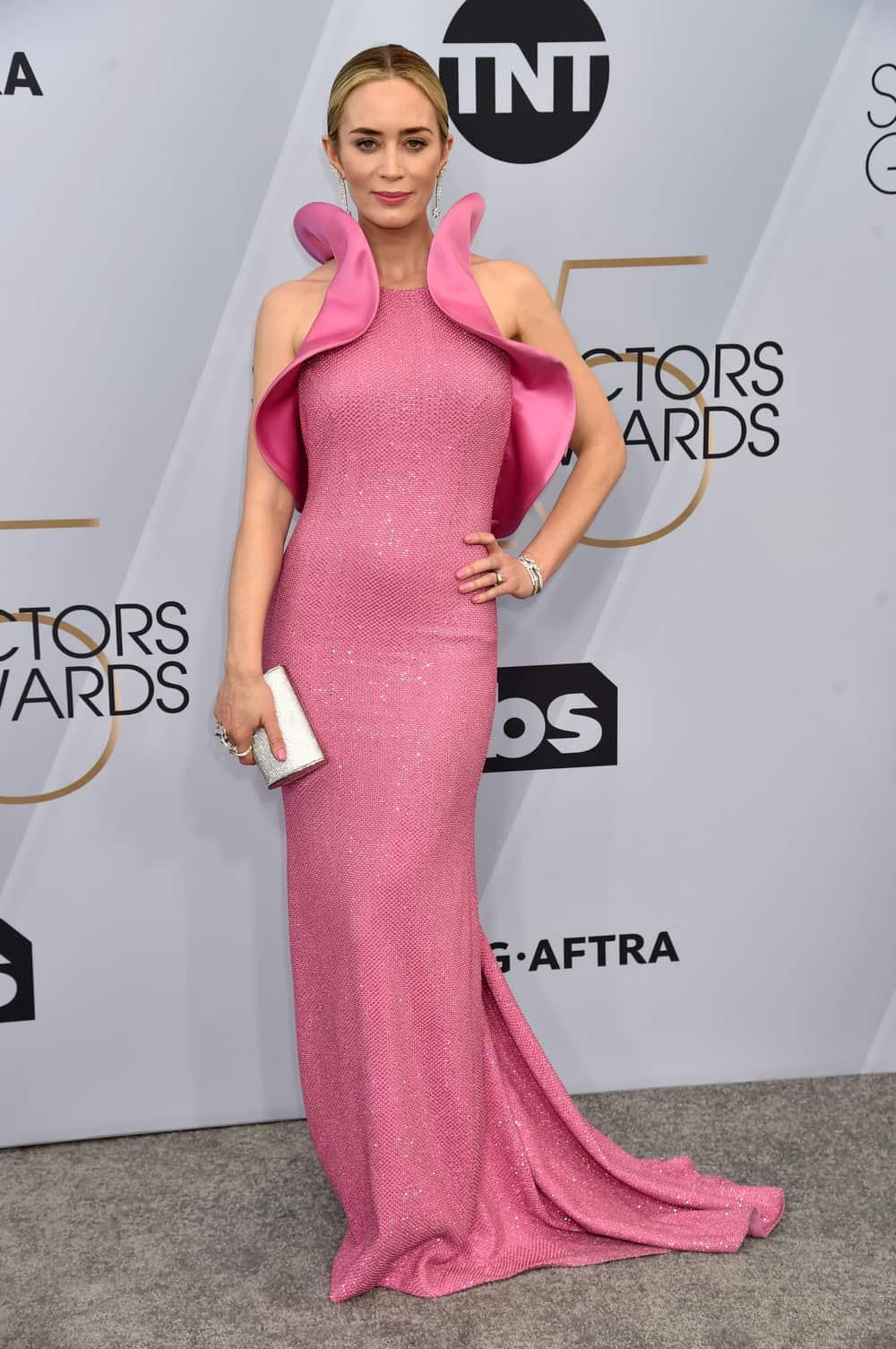 Yang Bersinar Berkat Perhiasan di Red Carpet Hollywood