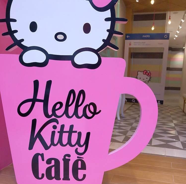 Kafe Lucu untuk Penggemar Hello Kitty