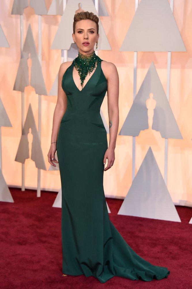 We Love: Scarlett Johansson Academy Awards 2015 Red Carpet