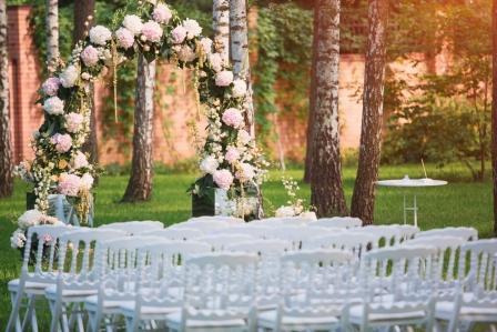 5 Hal yang Harus Dihindari Saat Outdoor Wedding
