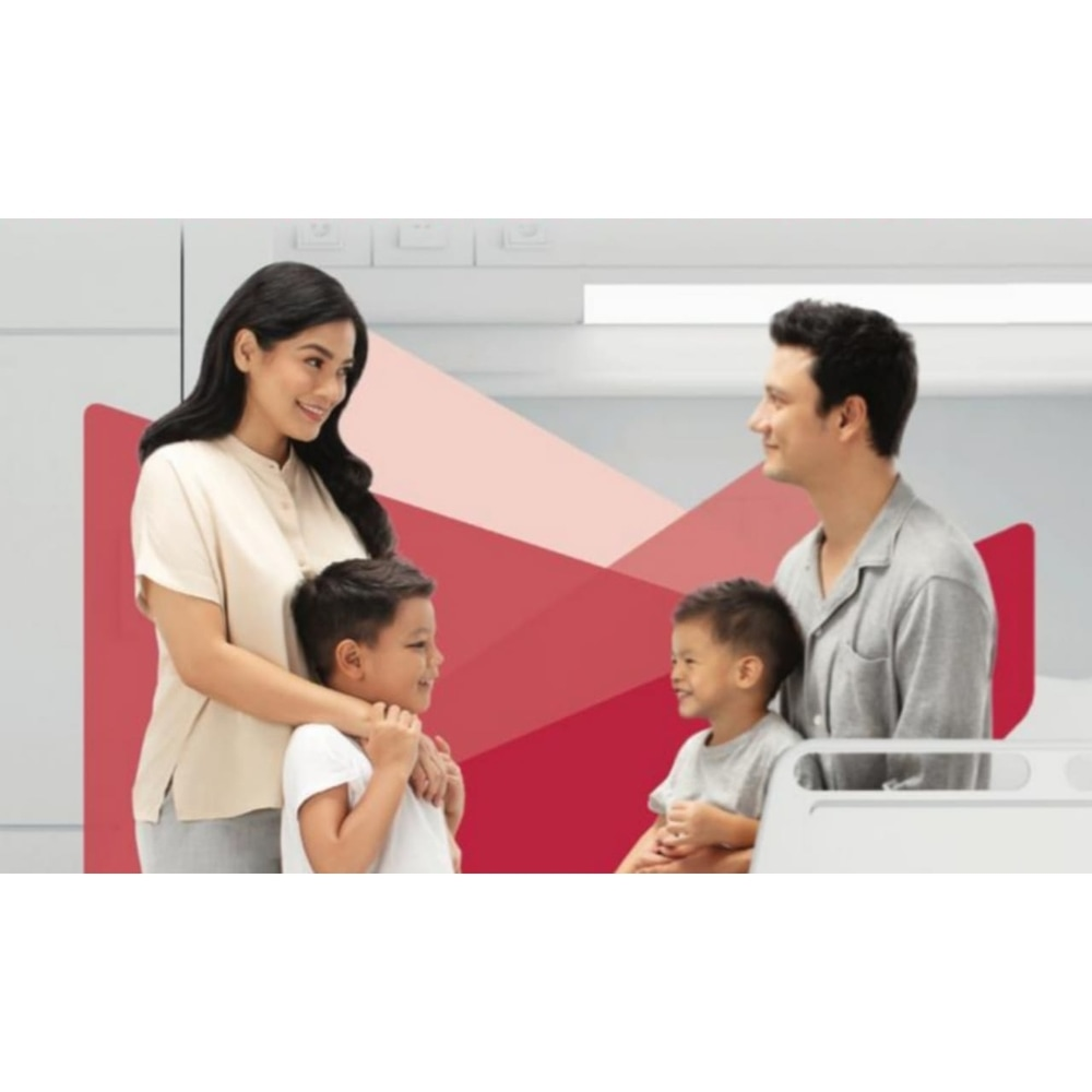 Titi Kamal & Christian Kenalkan Asuransi Kesehatan Keluarga