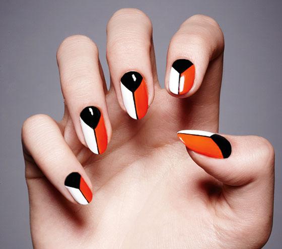 Tips Ikuti Tren Graphic Nail Art