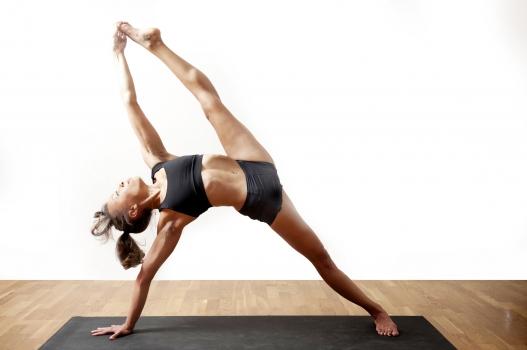 Bangkitkan Energi dengan Ashtanga Yoga