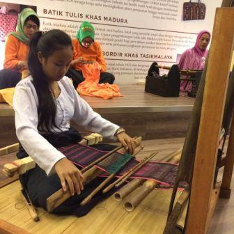 Pameran Kerajinan Karya Kreatif Indonesia