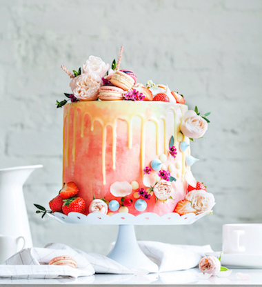 14 Inspirasi Kue untuk Pernikahan Musim Panas