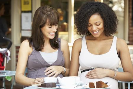 7 Makanan yang Harus Dihindari Saat Hamil