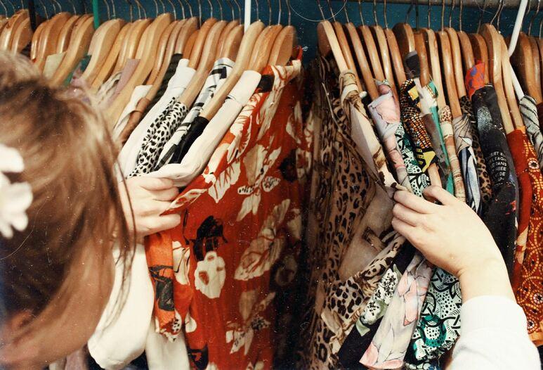 5 Rekomendasi Thrift Shop Online Terbaik