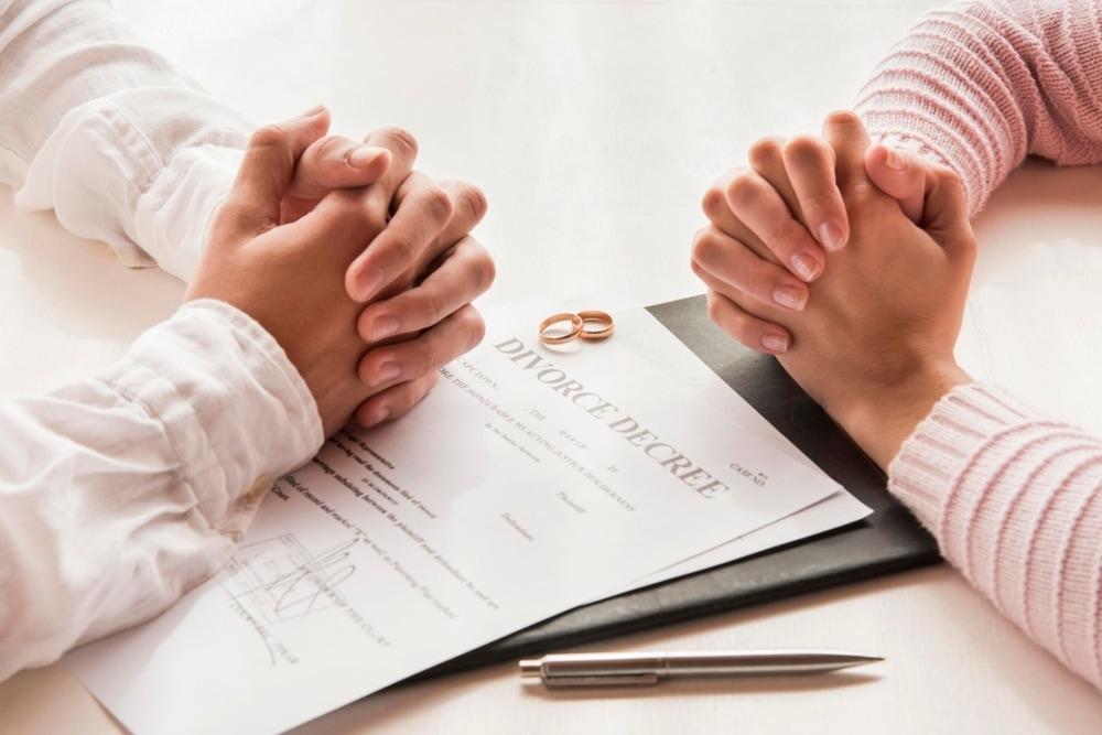 Ketahui Cara Hadapi Perceraian Dengan Tenang