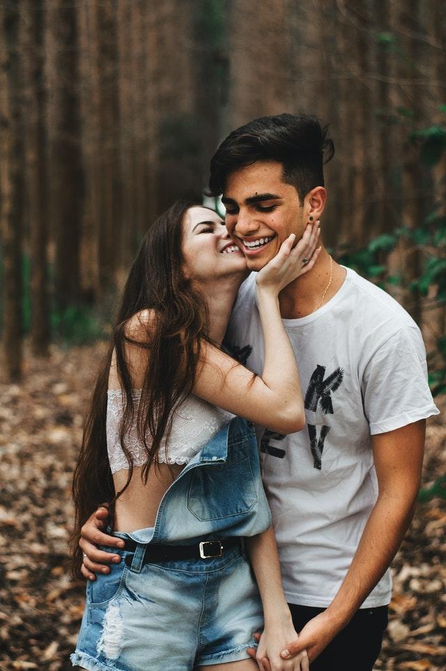 12 Kata-Kata Bucin Yang Paling Romantis Buat Pacar