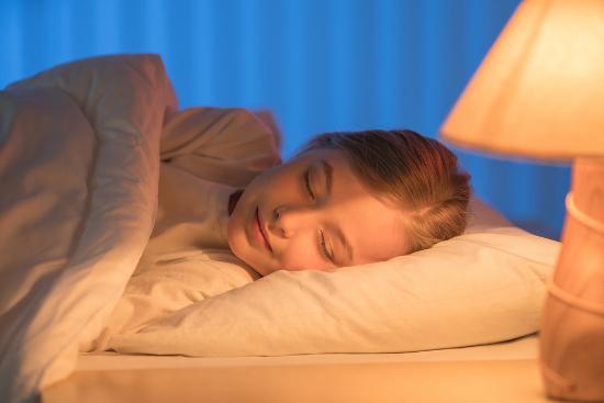 Lakukan 10 Rutinitas Sehat Ini Sebelum Tidur!