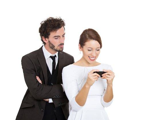 Tips Menghadapi Pasangan Yang Posesif