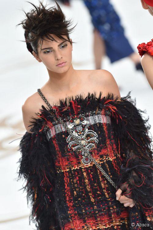 Kendall Jenner Akan Bintangi Kampanye Iklan Lagerfeld