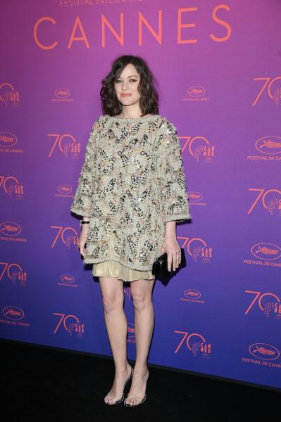 Spotted: Marion Cotillard Mengenakan Chanel