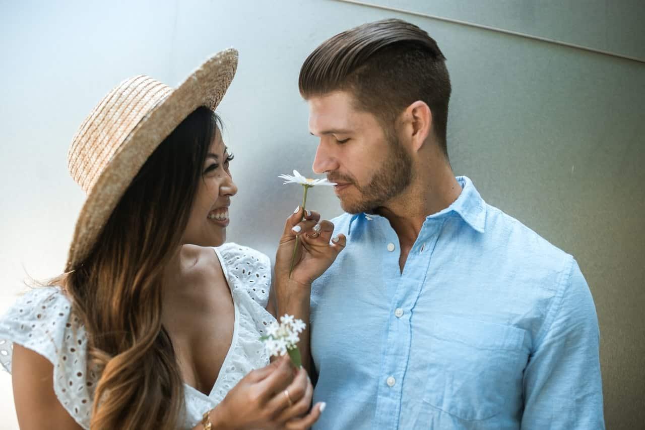11 Cara Membuat Suami Makin Sayang Dan Cinta