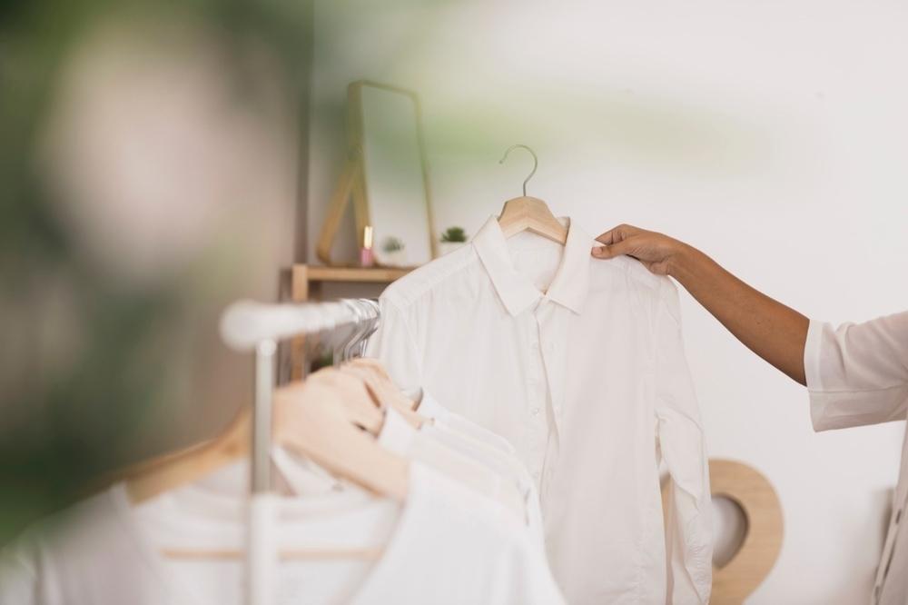 15 Cara Merawat Pakaian Putih