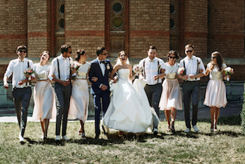 Cara Membuat Bridesmaid dan Groomsmen Kompak