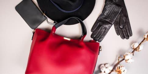 10 Tas Warna Merah untuk Melengkapi Tampilan Valentine