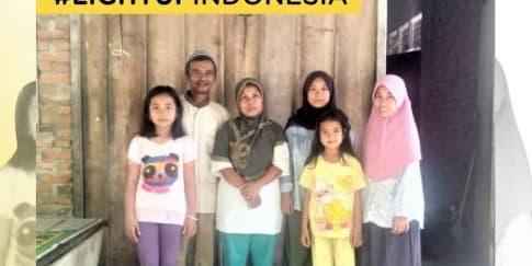 Light Up Indonesia Bantu Masyarakat Dengan Donasi Listrik