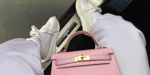 Kylie Jenner Berikan Cardi B Tas Harga Ratusan Juta Rupiah