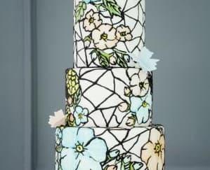 Ide Wedding Cake dengan Aksen Bunga