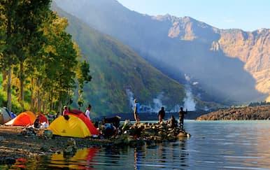 5 Lokasi Camping Terbaik di Indonesia