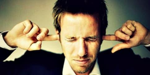 Cara Efektif Buat Pasangan Lebih Mendengarkan