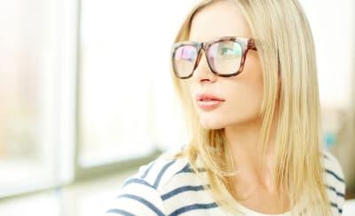 Tips Makeup Sesuai Bentuk Kacamata