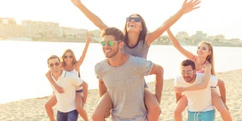 Cara Mendekatkan Pasangan dengan Geng Anda