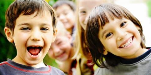 5 Alasan Kenapa Anak Tengah Lebih Bahagia
