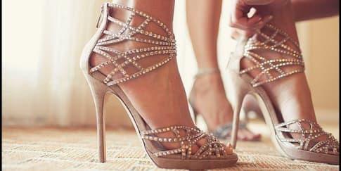 6 Tip Memilih Sepatu Pesta Pernikahan Yang Tepat