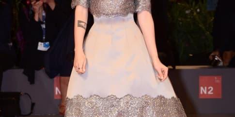 Tampilan Memukau Kristen Stewart dalam Koleksi Baru Chanel